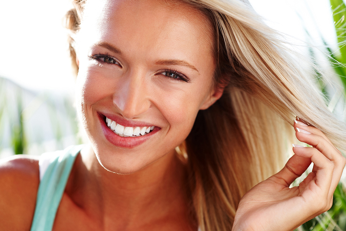 top tips for a whiter smile this summer